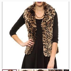 Jack BB Dakota Faux Fur Leopard Vest